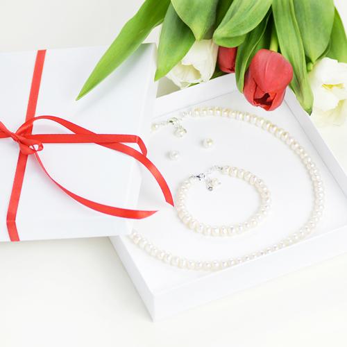 komplet biżuterii z białych pereł hodowlanych i srebra