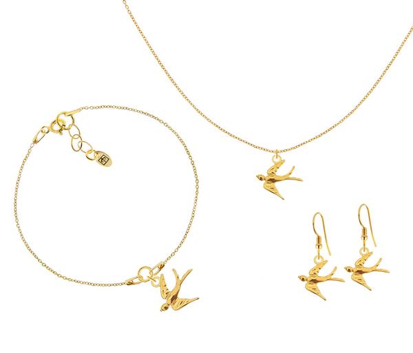 Komplet biżuterii z motywem jaskółki, czyli piękny łańcuszek, bransoletka i kolczyki idealne na wiosnę.