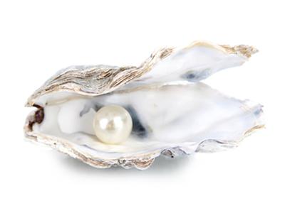 perły naturalne w muszli