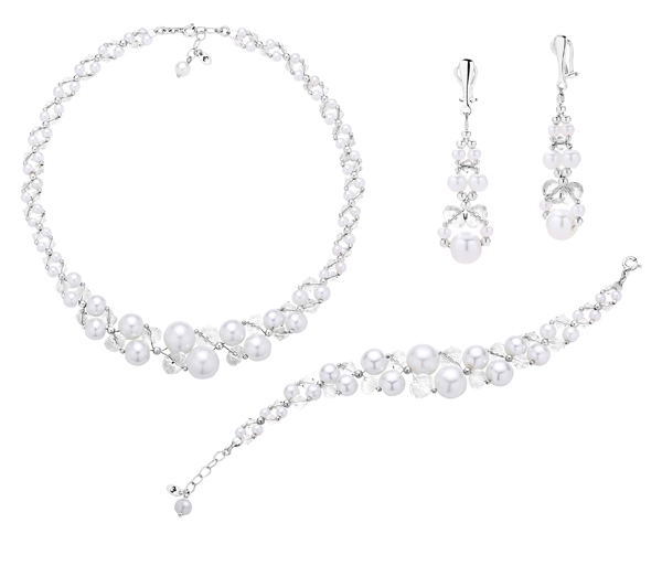 Komplet biżuterii ślubnej składający się z efektownej kolii, bransoletki i klipsów z pereł i kryształów.